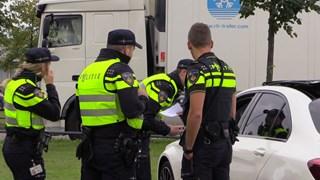 Politiemensen aangehouden