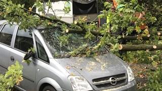 Auto zwaar beschadigd