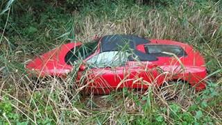 Ferrari crasht in Borne