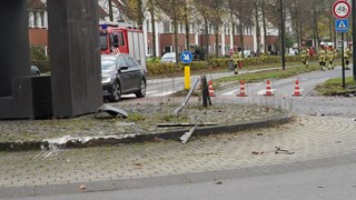 Auto gelanceerd in Deventer