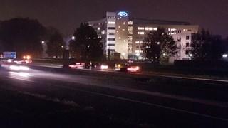 Linkerrijstrook dicht op de A1 door ongeluk tussen twee auto