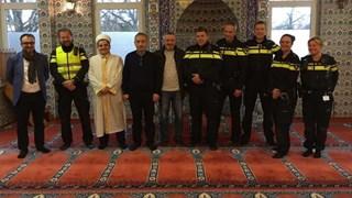 Politie Haaksbergen op bezoek in Haaksbergse moske