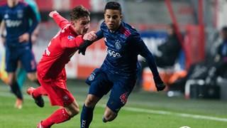 Kluivert en Ter Avest in duel
