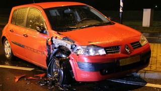 Auto raakt zwaar beschadigd