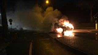 Auto brandt uit in Kloosterhaar