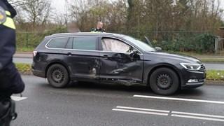 Bestuurder rijdt door na veroorzaken ongeluk in Deventer