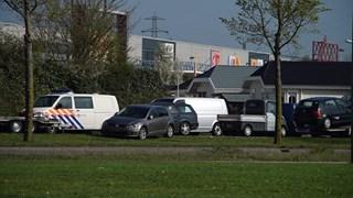Politie doet onderzoek op woonwagenkamp Deventer