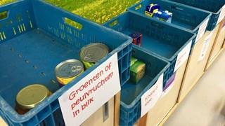Sint Bernardusschool Ommen zamelt producten in voor de Voedselbank