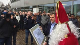 Sinterklaas steunt medewerkers Siemens