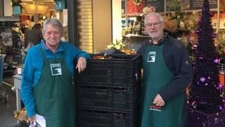 Inzameling Voedselbank Midden-Twente levert meer dan 100 gevulde kratten op