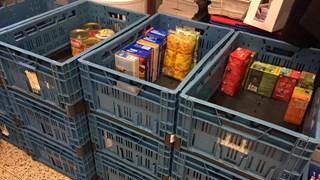 Voedselbank Zwolle zamelt voor €3.000 aan producten in