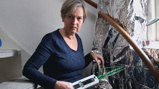 Jolanda van Dam uit Almelo heeft electrohypersensitiviteit