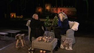 Ank Bijleveld met Karen Eshuis in het Openluchttheater in Hertme