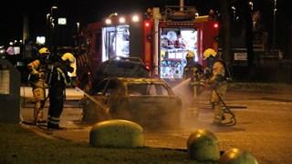 Auto in brand op parkeerplaats A1 bij Holten