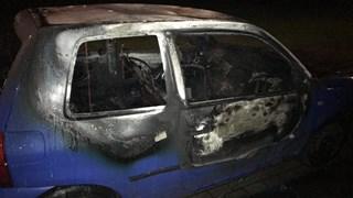 Auto brandt uit in Almelo