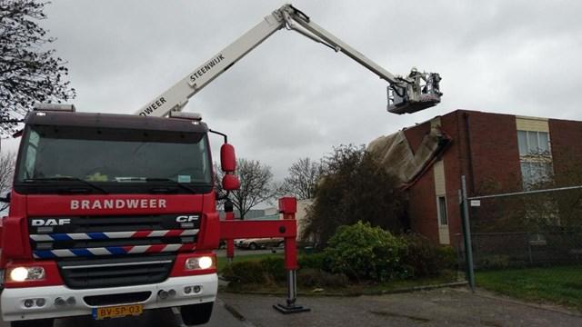 Dak bedrijfspand Steenwijk los - fotograaf: Colin Coule