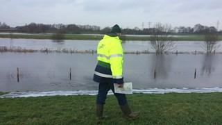 Het waterschap houdt de dijken goed in de gaten