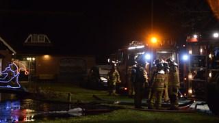 De brandweer rukt met veel man uit