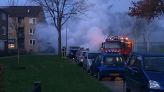 Auto in brand op Mozartlaan in Hengelo