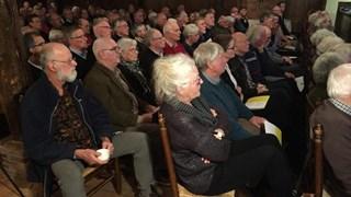Honderden bezoekers bezoeken lezing over bodemschatten nieuwe N18 Rijkswaterstaat