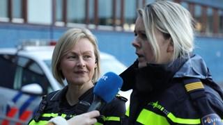 Hetty Zonnebeld en Leontien Damhuis van de Dierenpolitie Twente