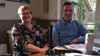 Irma en Erik Punte uit Lonneker klaar voor de optocht in Losser en Oldenzaal