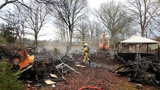 Meerdere chalets tot de grond toe afgebrand