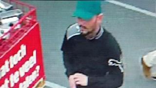 Man shopt met bankpas van vrouw uit Nijverdal