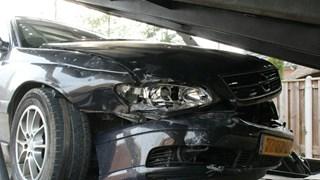 Flinke schade bij ongeluk in Holten