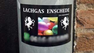 Politie waarschuwt voor lachgas na 'stickeractie' van gootleverancier