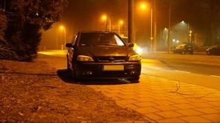 Auto met vier lekke banden achtergelaten in Deventer