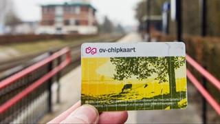 Met OV-chipkaart op station