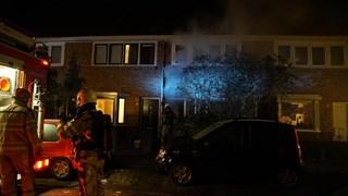 Brand in een woning aan de Gieterijstraat Deventer, de woonkamer is verwoest