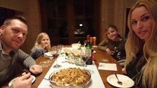 Familie Baltus geniet van de stoofpot