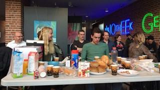 Ontbijt voor de kaveljagers in Nijverdal