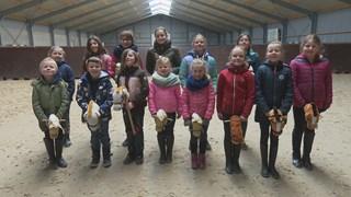 De stokpaardenclub van Enschede is trots op hun lieve paardjes