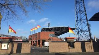 Ondanks de ellende; vlaggen in top in De Adelaarshorst