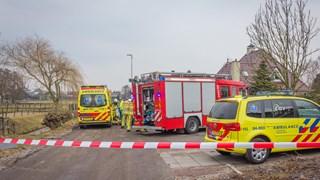 Man met spoed naar ziekenhuis nadat hij in het water viel in IJsselmuiden