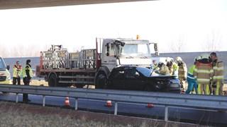 N50 tussen Kampen en Zwolle dicht na ongeluk