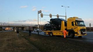 Twee auto's met flinke schade door ongeluk in Wierden
