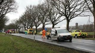 Ook bedrijfswagen zwaar beschadigd