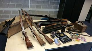 Wapens en munitie gevonden in woning in Enter