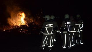 Paasbult in vlammen op in Den Ham