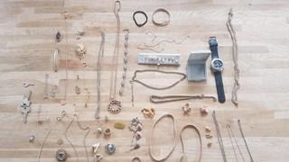 Eigenaren gezocht van gevonden sieraden in vakantiewoning Hellendoorn
