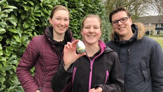 Een van de gelukkige winnaars van Zoek Het Ei! 2018