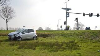 Auto van talud in Tuk