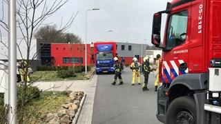 Brandweer onderzoekt lekkage uit vrachtwagen