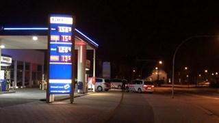 Aanhouding bij een tankstation in Almelo