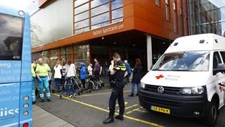 De geëvacueerde bewoners worden tijden ondergebracht in het Deltion College