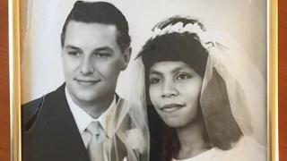 De zus van George Samar